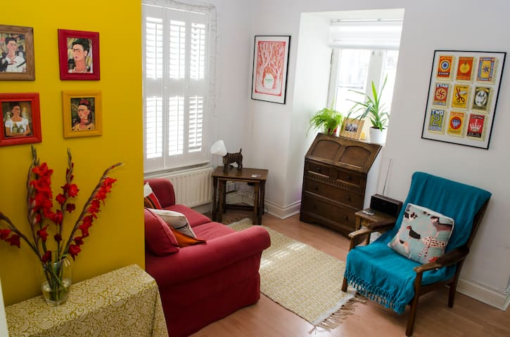 Colourful one bed flat in buzzing central Brighton