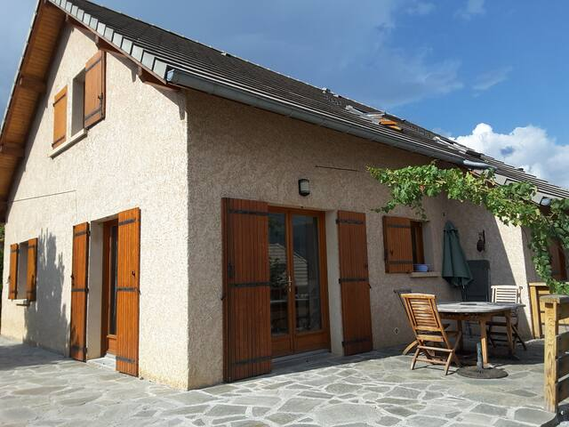 Villa ensoleillée avec vue imprenable - Embrun - Casa