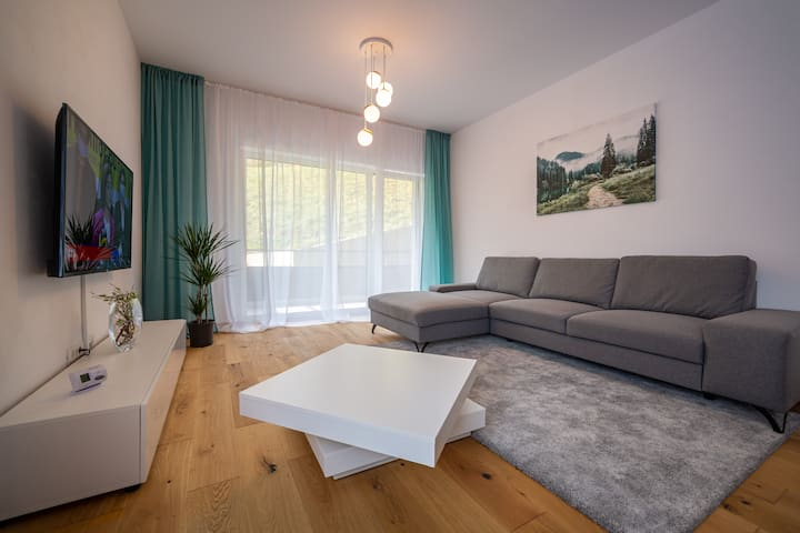 Central, Stylish & Relaxing Home with self-check