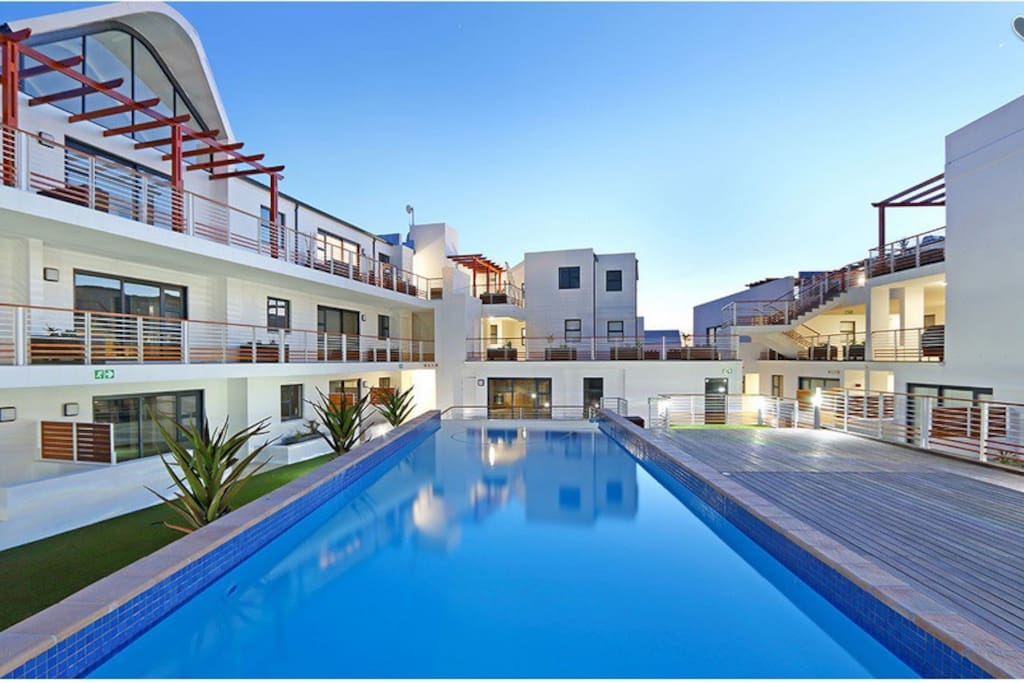 Upmarket Secure Apartment With Pool Close To Beach Apartments For Rent In Cape Town Western