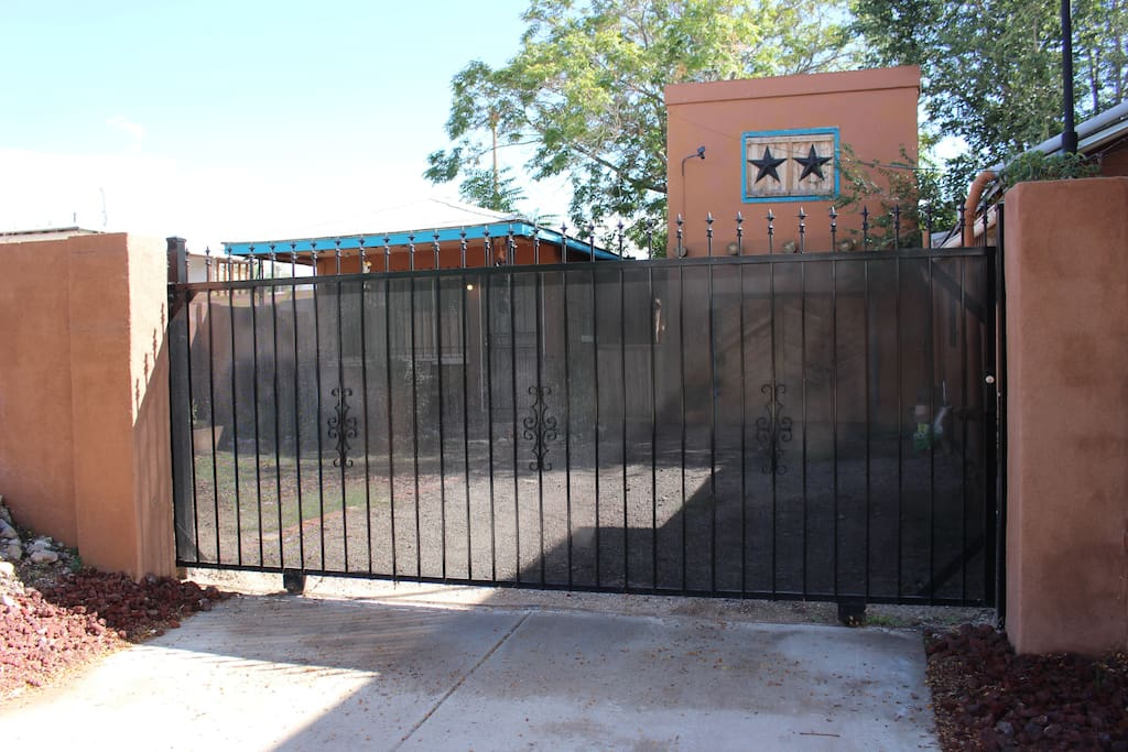 Enclosed lockable gate