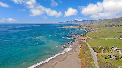 Walk to beach, Ocean View Modern Home Sonoma Coast