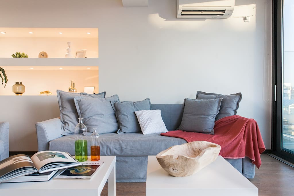 Each room of the apartment is equipped with a very strong air-condition turned both to cold and hot