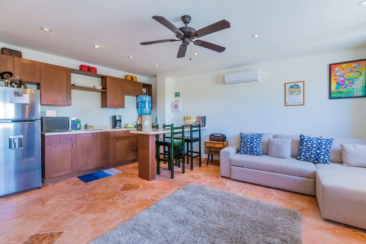 Private & practical 1 bedroom condo by Mango Cafe