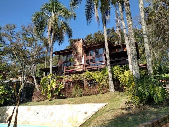 Casa de Campo no condomínio Reserva das Hortências