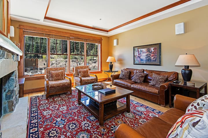 Iron Horse Lodge - 3 bedroom