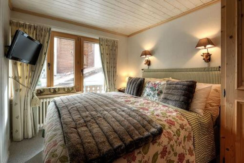Central, Charming and Cosy - perfect for holidays with family and friends!