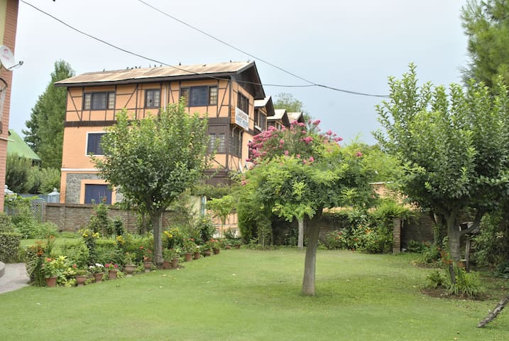 Lakshmi Guest House - Your Private Home with Views