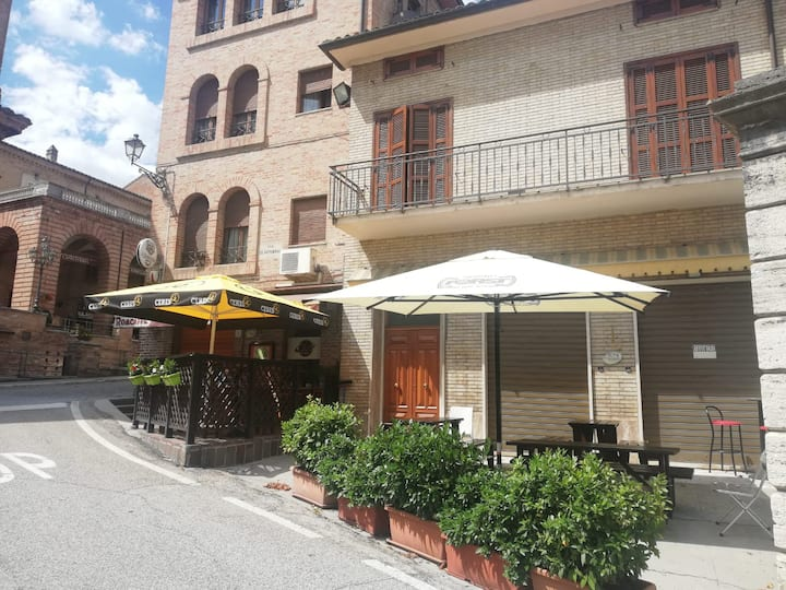 Appartamento Amandola centro storico