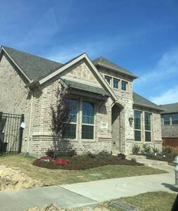 ViRiDiAN homes - Euless