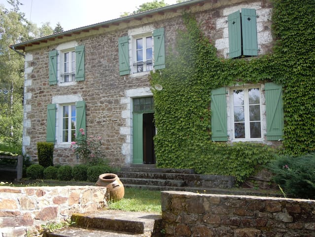 """Casa Rural """"Les Etangs des Roziers"""""""