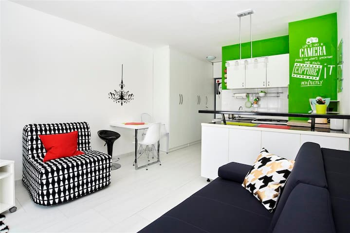 Cute sunny studio in Umag - Umag - Apartment