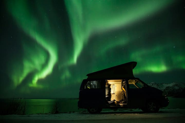 BEST DEAL: ADVENTURE CAMPERVAN + AIRPORT PICKUP - Tromsø