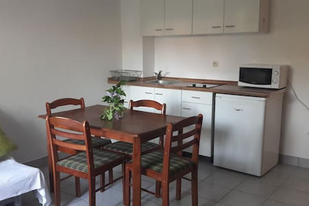 Apartment Klementina with parking and garden
