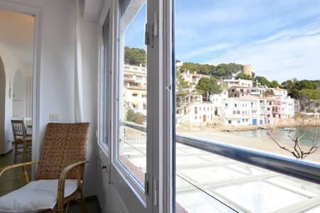 3 Bedroom Beachfront Apartment in Stunning Sa Tuna - 贝格(Begur) - 公寓