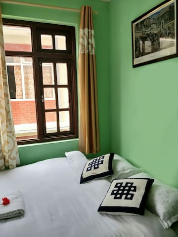 Cute Double Bedroom in a quiet street in Patan