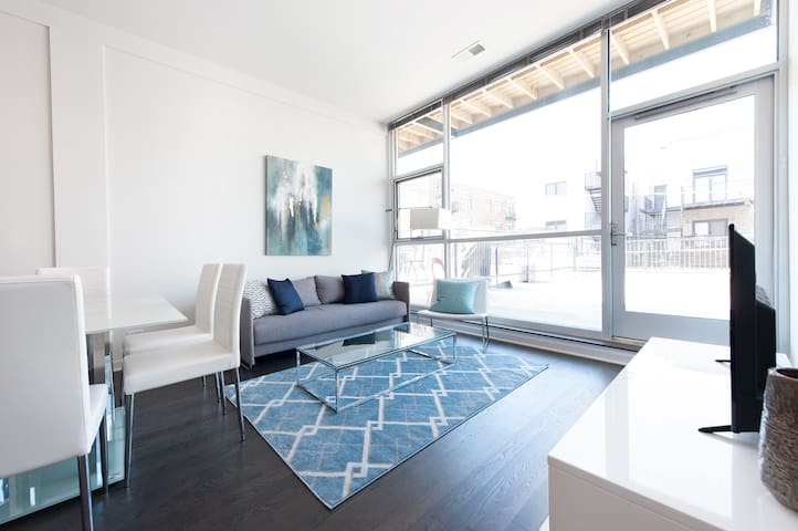 Sonder | Wrightwood Park | Bright 2BR + Terrace