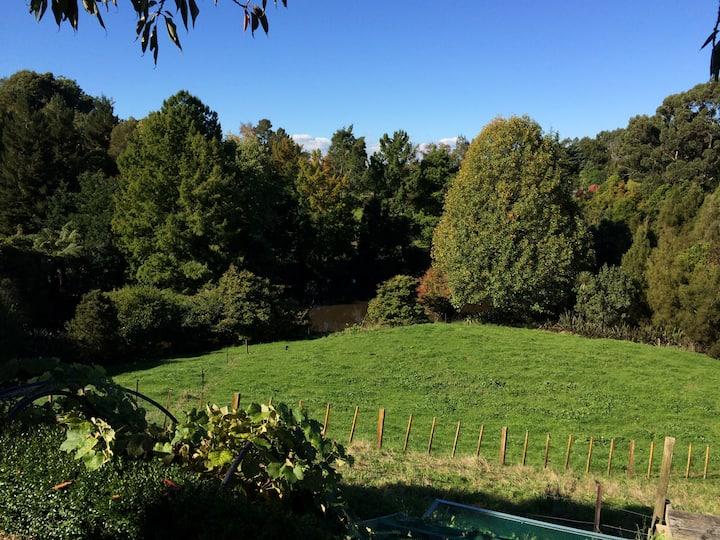 611 Free-range, Cosy rural haven