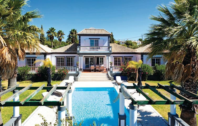 Lovely big villa located at 2km from the beach