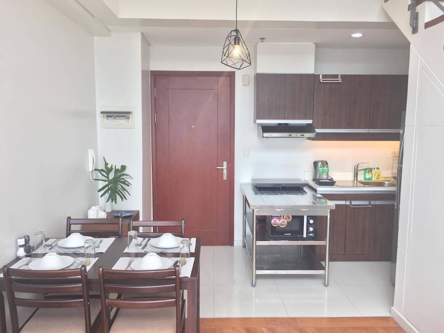 Spacious dinning and kitchen area