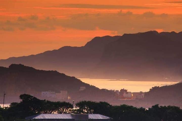 屋裡看日出屋外探風景九份夜景潮境浮潛黃金瀑布海科館和平島象鼻岩可住4_6人超過4人每人加500含兒童