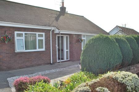 Luxury Prestatyn Property Near Golf Course