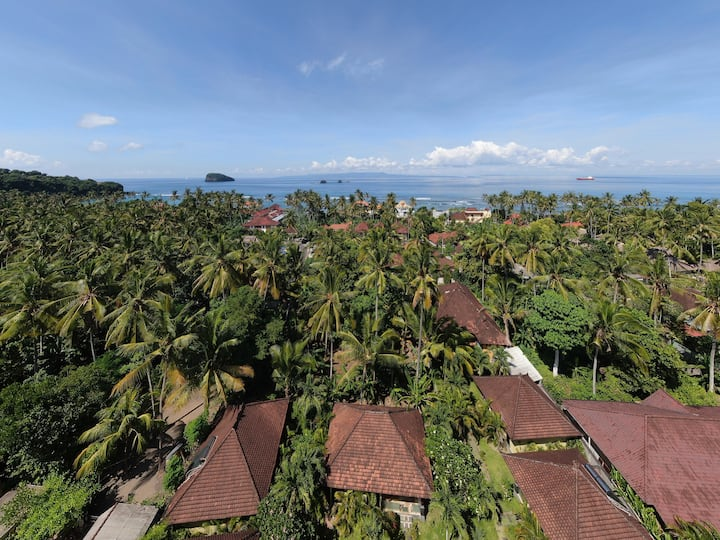 Bungalow with dbl bed & breakfast