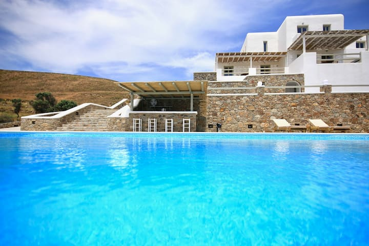 Cycladic Studio in Mykonos with Amazing Sea View