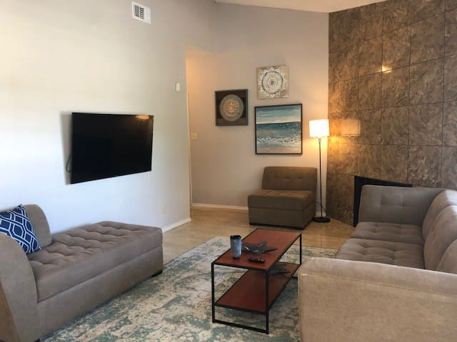 Spacious 2 Bedroom 2 Bath Irving Condo
