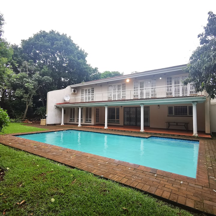 Family home in leafy, green & quiet Kloof (Durban)