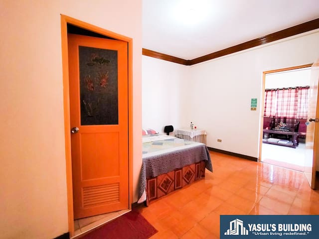 24 hours Fan Room for Rent / Yasul Building