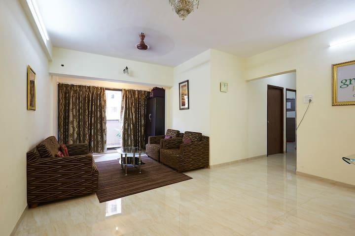 Private Luxurious Room near International Airport - Mumbai - Lägenhet