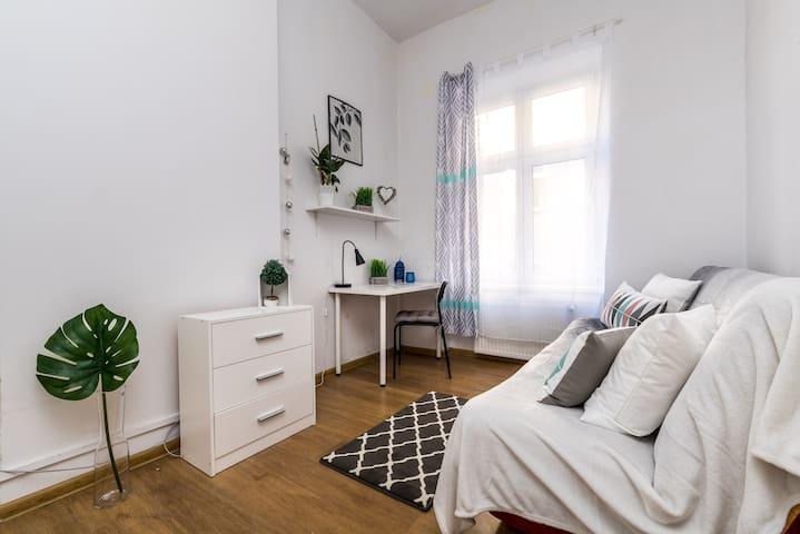 """Mielżyńskiego Double Room """"4"""""""