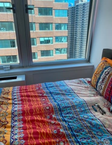 1 bedroom in a 2 bedroom apart. short term stay