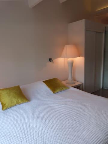 Chambre vue sur Golf du Gd Avignon - Vedène - บ้าน