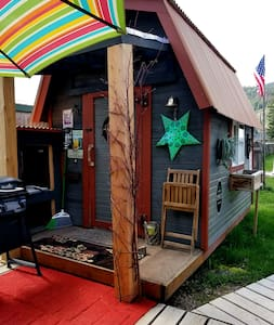 "Montana Rustic Cabin called ""Dirty Pete's"" 5-Star"