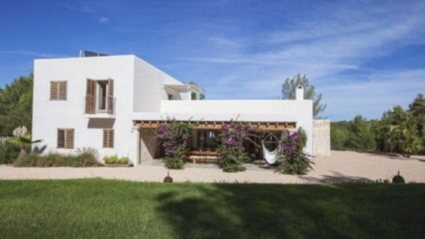 Awesome Villa in Santa Gertrudis Ibiza