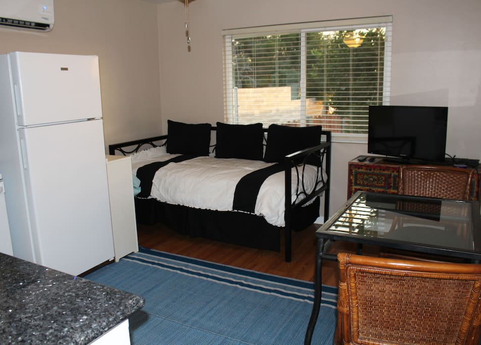 KITCHEN AREA WITH DAY BED