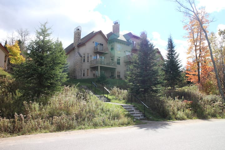 Luxury Mont Tremblant 3 Bedroom Cond - Mont-Tremblant - Appartement en résidence