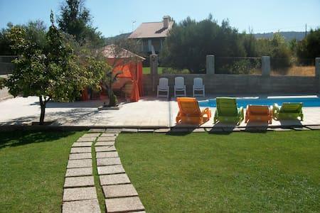 villa con piscina ideal para familias - Sacedón