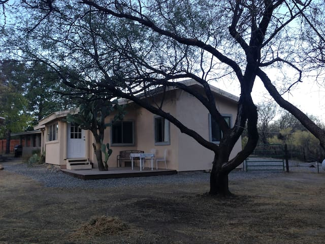 Lovely, Quiet Casita Getaway!!