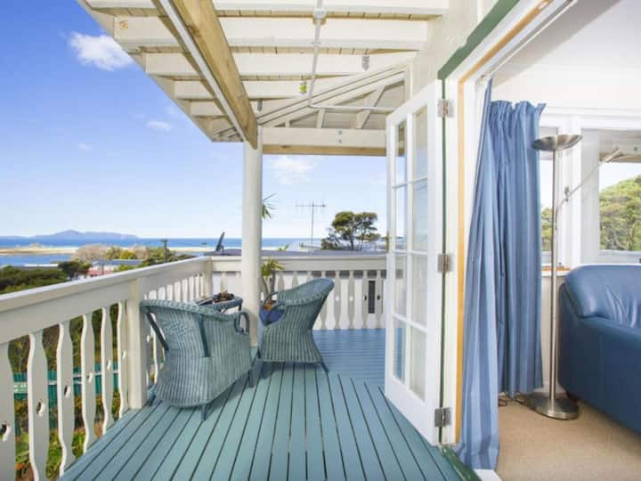 """Heritage Deluxe Apartment"" at Mangawhai Lodge"
