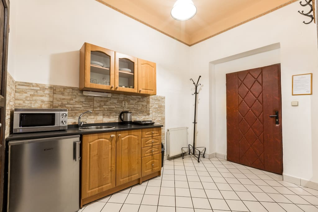 The room has a SHARED kitchen facility