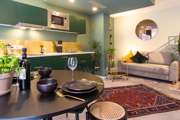 Yashil Astoria: Studio Apt - Ideale Anbindung 31m2