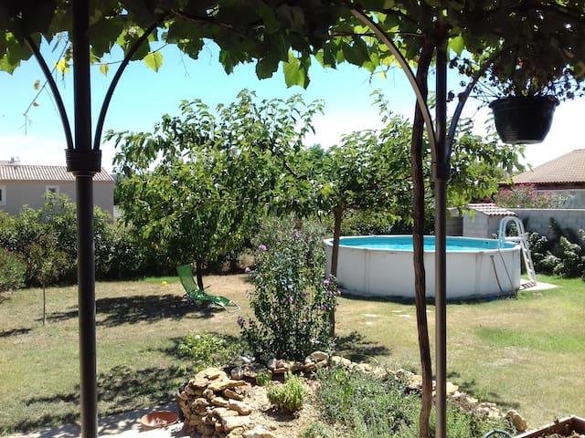 location chambre dans villa agréable - Montfaucon