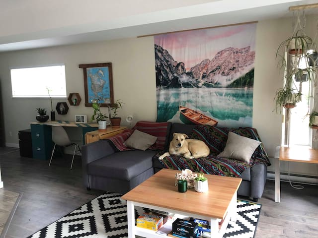 Beautiful bright home close to downtown Squamish