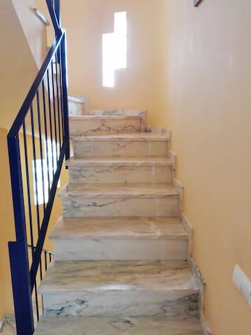 Escalera de acceso buhardilla