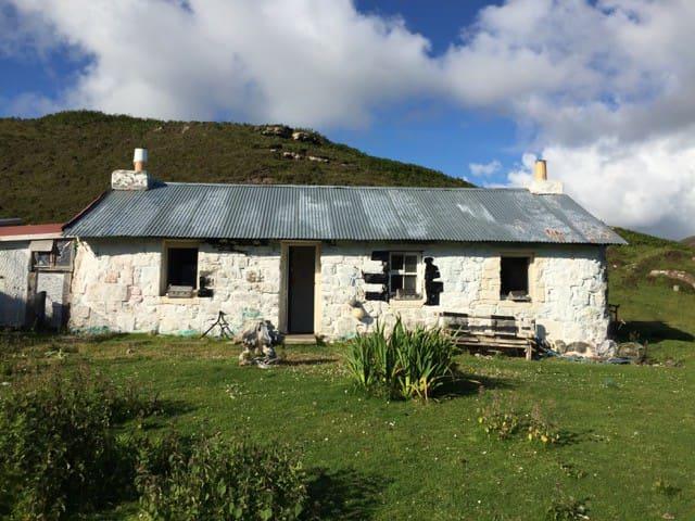 Isle of Gometra Jane Ann's Bothy Baileclaidh