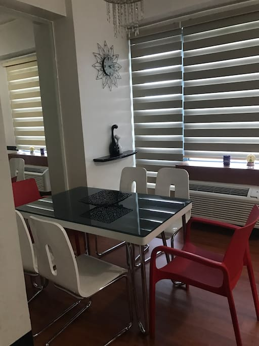 6 seater dining area