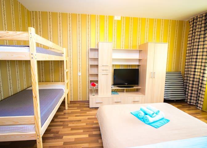 Уютная квартира ВГостиКнам Титова 242/2